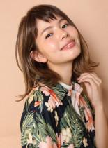 西海岸風外ハネボブ(髪型ミディアム)