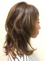オトナのレイヤースタイル(髪型ミディアム)