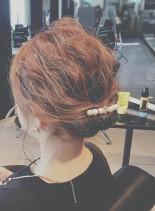 ルーズシニヨン(髪型ミディアム)