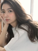 グレージュカラー&ゆるふわウェーブロング(髪型ロング)