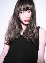 ファストブリーチ + ホワイトグレージュ(髪型ロング)