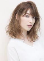 辛口カジュアルなミディアムヘア(髪型ミディアム)