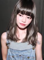 ハーフブリーチ+ホワイトブラウン (髪型セミロング)