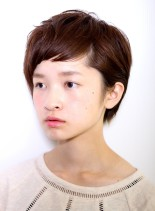 個性的な前髪の大人ベリーショート(髪型ベリーショート)