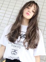 ハーフブリーチ + ホワイトブラウン(髪型ロング)