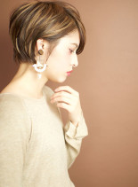 片耳かけてスッキリなモードクールショート(髪型ショートヘア)