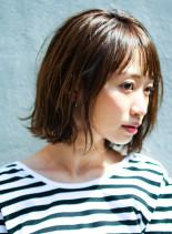 ナチュラルハネ感ミディ(髪型ミディアム)