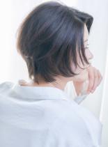 30代40代オフィスカジュアルなショート(髪型ショートヘア)
