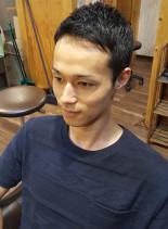 耳周りスッキリの大人ショート(髪型メンズ)