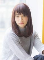 大人女子のピンクアッシュワンカールミディ(髪型ミディアム)