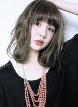 『 カット + ハーフブリーチ 』(髪型ミディアム)