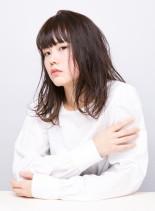ダークカラーワンカールミディ(髪型ミディアム)