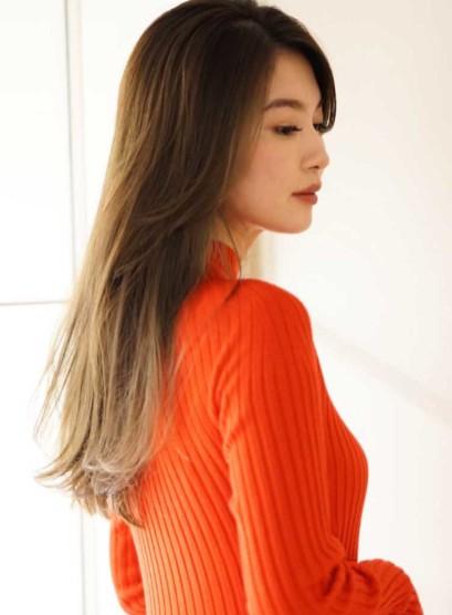透明感のある大人ストレート(髪型ロング)