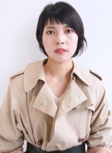 ぱっつんオン眉 黒髪ショートボブ(ビューティーナビ)