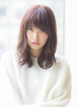 大人女子のピンクアッシュミディアム(髪型ミディアム)