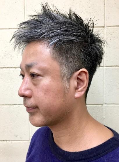 白髪の大人サイド刈り上げベリーショート(髪型メンズ)