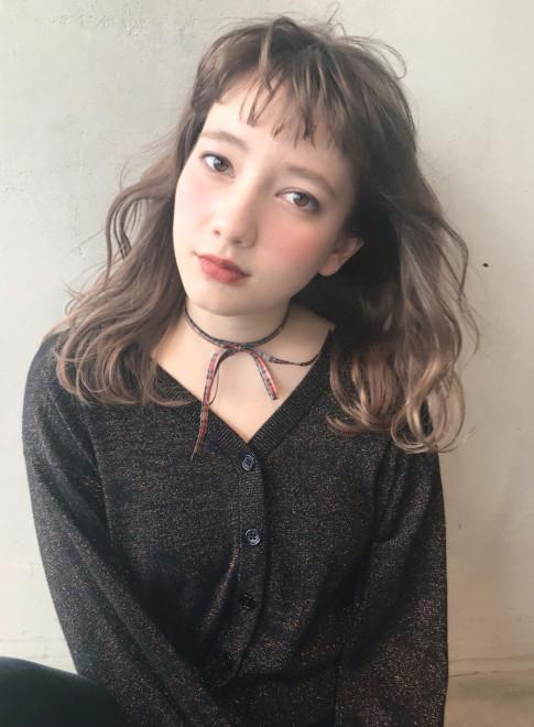 外国人風無造作デジタルウェーブ(髪型ミディアム)