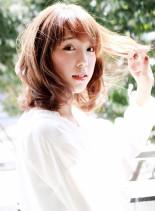 ゆるフワパーマのミディアムスタイル(髪型ミディアム)