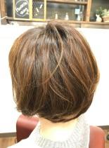 柔らかな動きのあるショートボブ(髪型ショートヘア)
