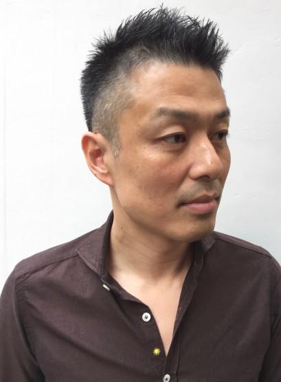 白髪にも似合う大人男子のベリーショート(髪型メンズ)