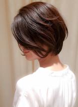 ゆるふわ質感の前髪なし大人ショートボブ(髪型ショートヘア)