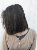 極細グレージュハイライト☆赤み消しカラー(髪型ミディアム)