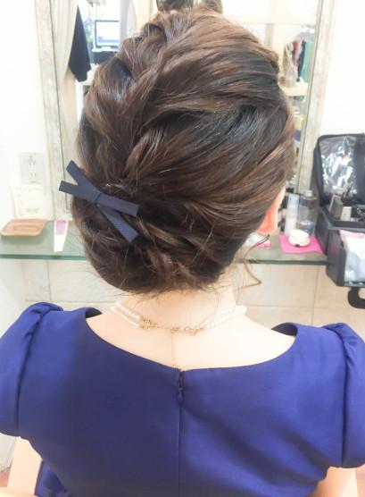 編み込みシニヨン(髪型ミディアム)