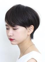 上品な大人のシンプルショート(髪型ショートヘア)