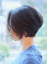 大人の前下がりショートヘア(髪型ショートヘア)