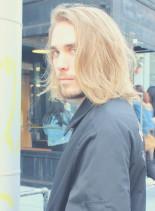 メンズ クセ毛を活かす 外国人風ロング(髪型メンズ)