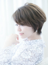 吉瀬美智子さん風フォルムが綺麗なショート(髪型ショートヘア)