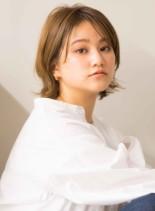 外国人風ウルフレイヤー (髪型ボブ)