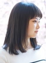 ラウンドバング(髪型ミディアム)