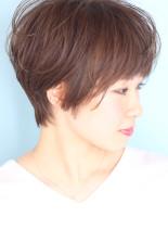 ナチュラルな大人の横顔美人ショート(髪型ショートヘア)