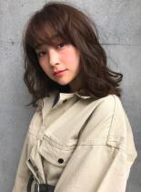 モノクロームカラー(髪型ミディアム)