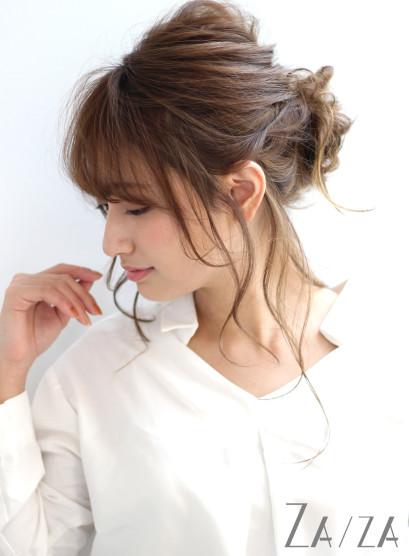 後れ毛たっぷりの大人アレンジ(髪型ロング)