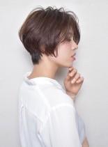 「大人女性のふんわり柔らかショート」(髪型ショートヘア)