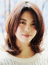 30代40代女性に似合うミディアムヘア(髪型ミディアム)