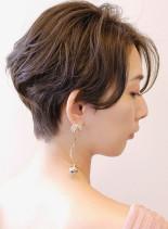 女性らしい簡単ショートスタイル(髪型ショートヘア)