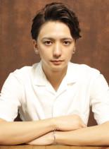 七三ナチュラルパーマショート(髪型メンズ)