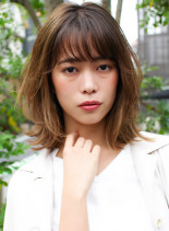 フラットレイヤーミディ(髪型ミディアム)