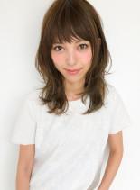 小顔ミディアムレイヤー(髪型ミディアム)