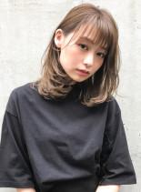ミルクティーベージュ×ワンカール(髪型ミディアム)