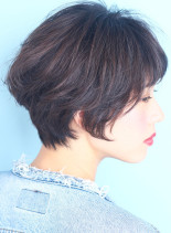 フォルムがキレイなカジュアルショートボブ(髪型ショートヘア)