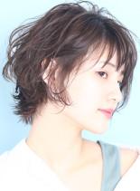 大人ウルフ×ニュアンスパーマ(髪型ショートヘア)