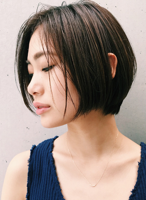 ストレート ショート 髪型
