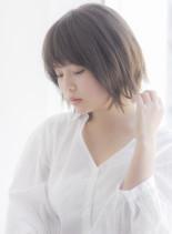 大人女子のアンニュイ外ハネボブ(髪型ボブ)