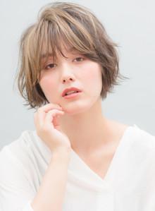 大人女子×小顔×ショートボブ(ビューティーナビ)