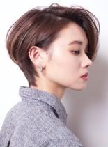 大人の美シルエットな耳掛けショート(髪型ショートヘア)