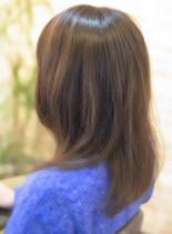 ナチュラルミディ(髪型ミディアム)